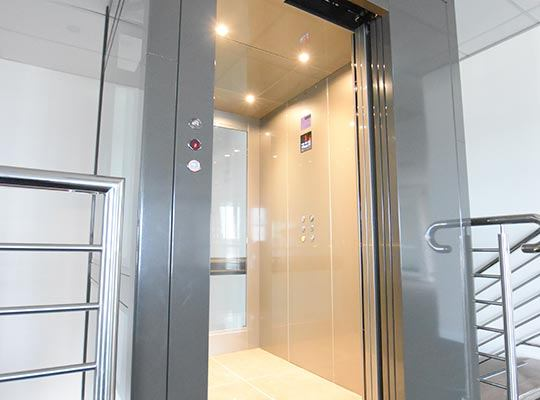 commercial lift - crown