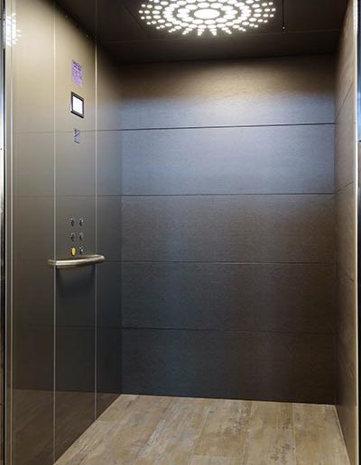 luxury-suite-lift-2