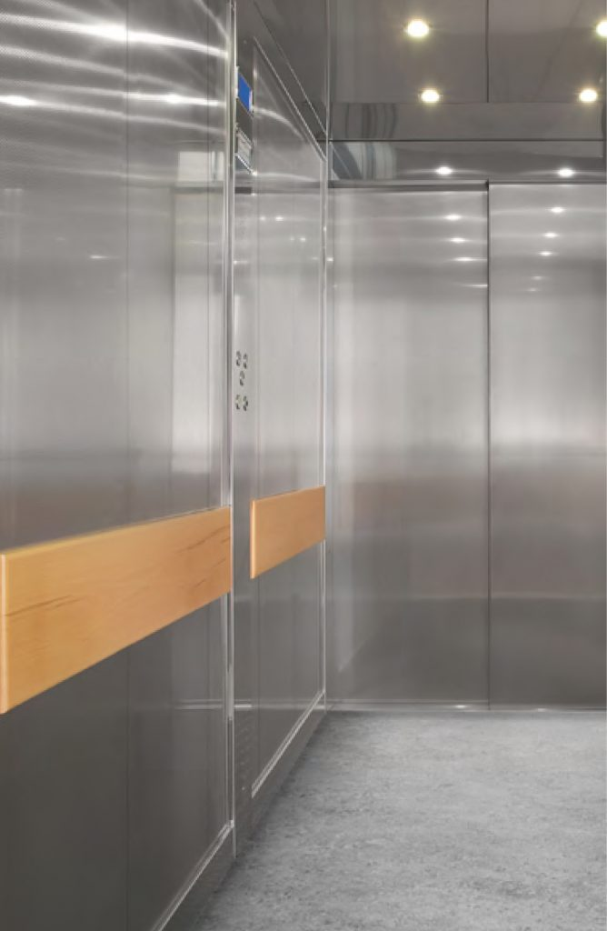 extra large lift cabin for hospitals and warehouses